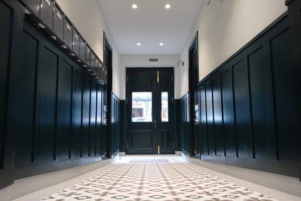 Reforma de portal e instalación de ascensor